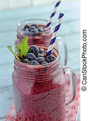 Blueberry and Blackberry smoothie shakes - 2 Mason jars ...