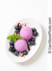 Blueberry ice cream and fruit