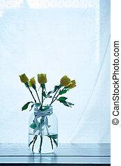 blumengebinde, von, gelbe rosen, in, a, blumenvase