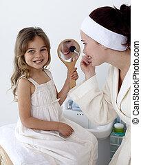blusher, figlia, applicare, lei, madre