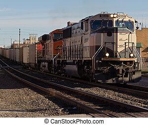 BNSF Hauling Coal - A BNSF SD70MAC hauling coal through ...