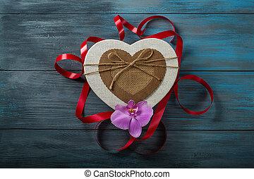 boîte-cadeau, dans, forme coeur