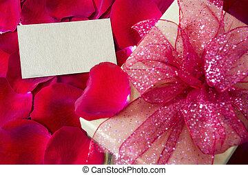 boîte, cadeau, pétales rose, étiquette, fond, vide, rouges