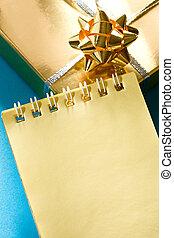 boîte, décoré, bloc-notes, jaune, cadeau