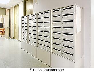boîte lettres, dans, couloir