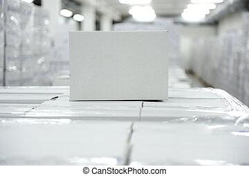boîte, paquet, blanc, ton, entrepôt, prêt, logo, message, ou