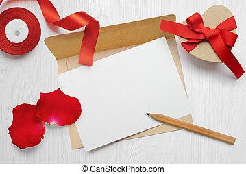 boîte, photo, salutation, ton, mockup, poser, fond, blanc, railler, plat, enveloppe, texte, lettre, kraft, jour, carte, cadeau, flatlay, bois, valentines, haut, endroit, vue dessus