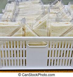 boîte, vendre, coupure, plastique, sandwich, prêt, plat, triangles