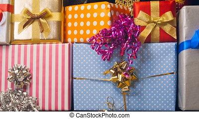 boîtes, closeup, santa, métrage, 4k, pile, noël don, coloré, élevé