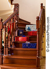 boîtes, pose, cadeau, escalier