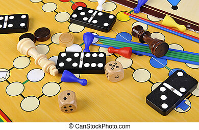 Board games - Various board games and many figurines ...