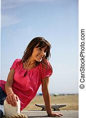 boardwalk, kobieta, siedział