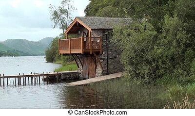 boarhouse