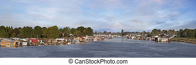 Boat Houses at Hayden Island Oregon