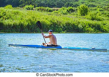 boat., kajak, żółty, błękitny, shore., człowiek, dawanie klapsa, rzeka, concept.a, podpłynięci, river., day., słoneczny, łódka, kayaking, kajak, lato