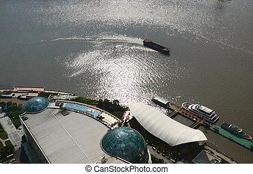 Boat on Huangpu River