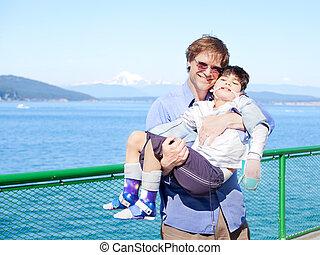 boat., pont, père, bras, fils, handicapé, tenue, ferry-boat
