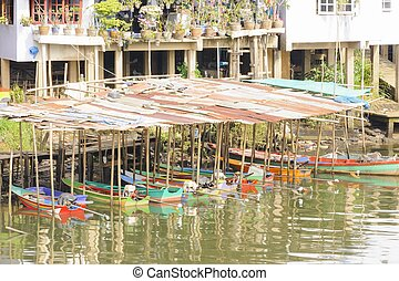 Boat Shed in Chanthaburi river. - Boat Shed in Chanthaburi...