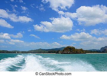 Boat wake of Speed Boat