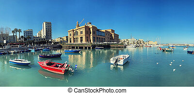 Boats and yachts in port of Bari, Italy - Boats in port of ...