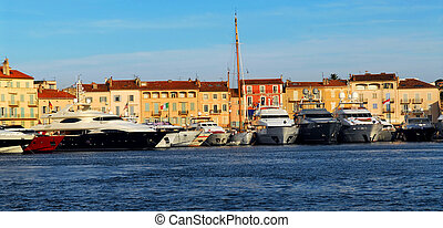 Boats at St.Tropez - Luxury boats anchored in St. Tropez in...