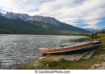 Boats at the Talbot Lake