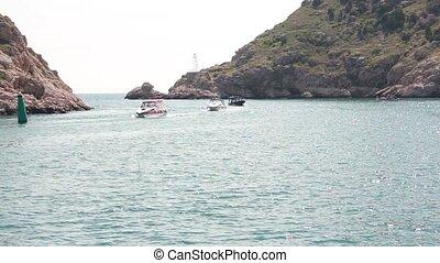 boats come into Bay