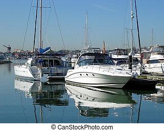Boats in Baltimore Inner Harbor 002
