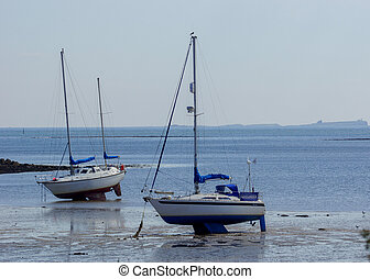 Boats / Yachts at low tide