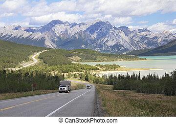 bobina, carretera, al lado de, un, lago montaña, -, alberta, canadá