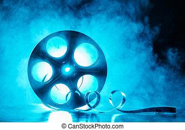 bobine cinématographique, fumée, rétroéclairage