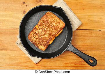 bocadillo queso, hierro fundido, asado parrilla, sartén