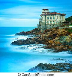 boccale, slott, gränsmärke, på, klippa, vagga, och, hav, in, winter., toskana, italien, europa
