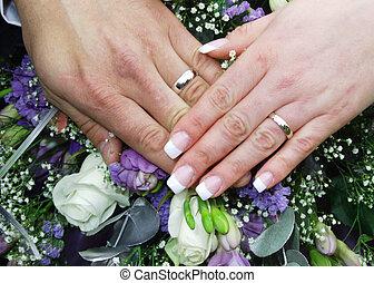 boda, 2, anillos, manos
