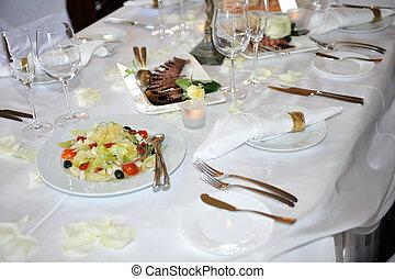 boda, cena