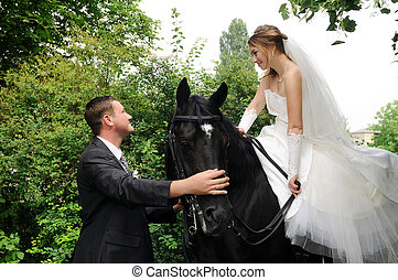 boda, novia y novio, en, a caballo