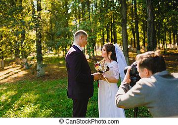 boda, photoshoot, en, el, verano, parque
