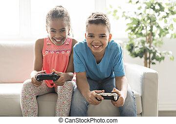 boder søster, spill, boldspil video, på, sofa