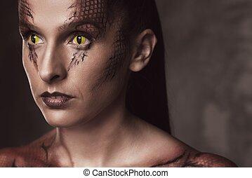 body-art, femme, serpent