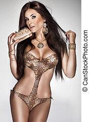 body., gesunde, swimsuit., los, gold, brünett, junger, modisch, attraktive, frau, haar, jewellery., langer, posierend, perfekt