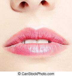 lips make-up