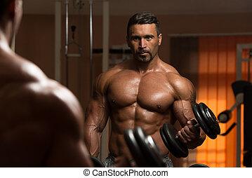 bodybuilder, doen, oefening, voor, biceps