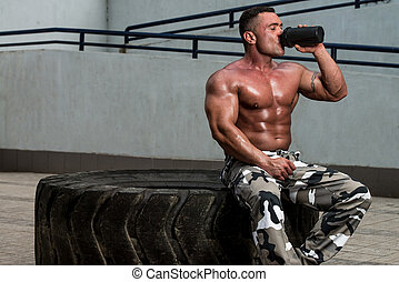 bodybuilder, drinkt