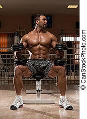 bodybuilder, fazendo, pesado, peso, exercício, para, ombros