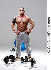 Bodybuilder relaxed, posing 3