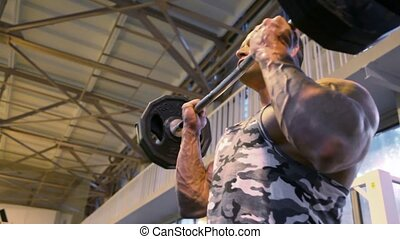 bodybuilder, turnhalle, trainieren, gewicht