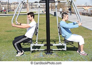 bodybuilding, homens, ao ar livre