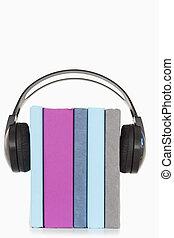 boekjes , headphones, stapel