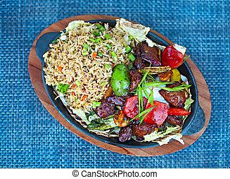 boeuf, légumes, mélangé, frire, riz, remuer
