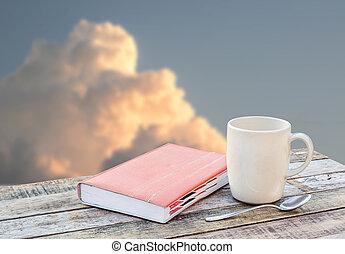 bohnenkaffee, Becher, hölzern, aus, Verwischt, Notizbuch, hintergrund, Tisch